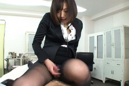 Kanari tsubaki. Lascivious Kanari Tsubaki blow and rides a penish on the patient